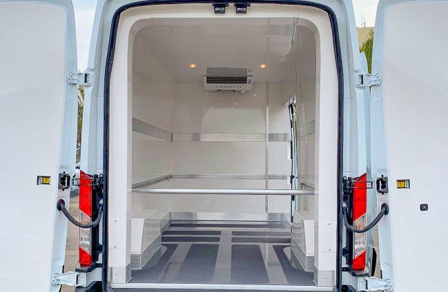 Ford Transit zabudowa izotermiczna